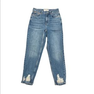 TOPSHOP Mom Jeans ***missing button on front***